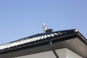 house roof gutters and eavestroughs